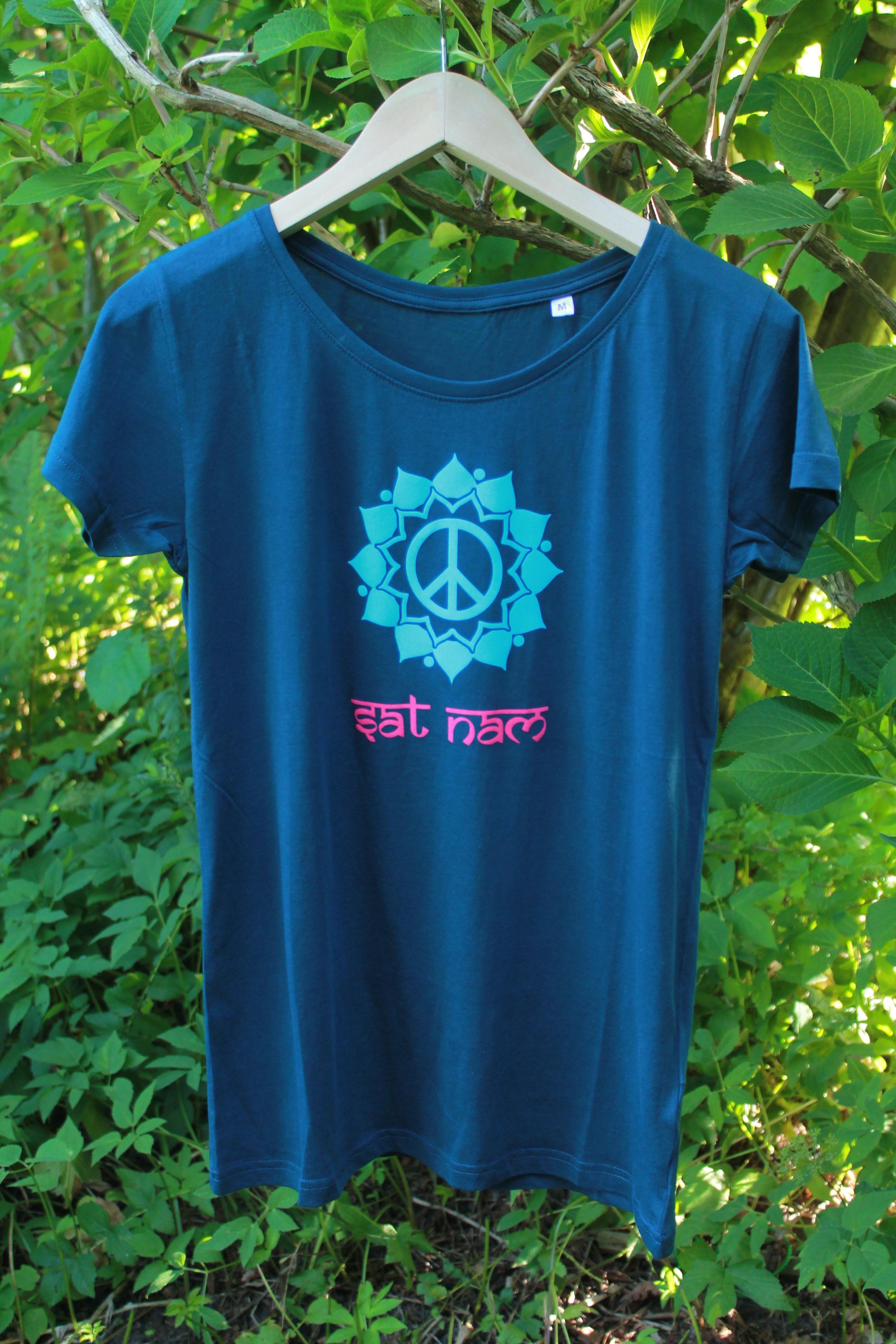 yoga shirt peace mandala mit mantra petrol aus 100 bio baumwolle anna dreiblatt. Black Bedroom Furniture Sets. Home Design Ideas